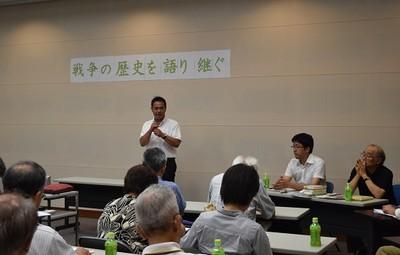 上野高志県議、講師の佐々木啓氏、島田修一氏(正面左から)=7月27日、水戸市