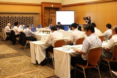 意見募集の内容について、県の担当者が報告した「東海第二発電所安全性検討ワーキングチーム」